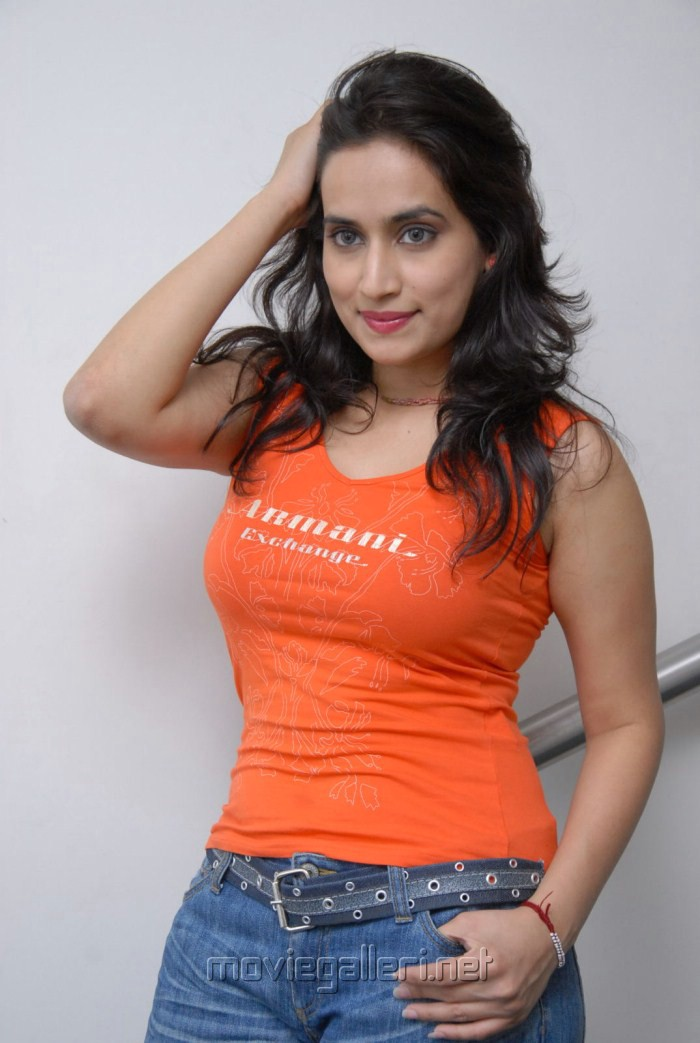 Actress Chinmayi Ghatrazu Hot Stills in Tight T-Shirt