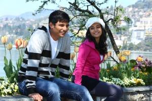 Jeeva, Trisha in Chirunavvula Chirujallu Movie Stills