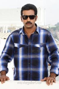 Telugu Actor Tarakaratna in Choodalani Cheppalani Movie Stills