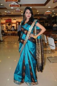 Hyderabad Model Kushboo in Saree Photos