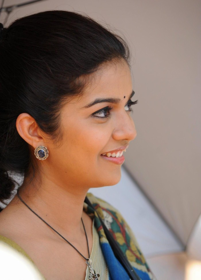 Tollywood Actress Colour Swathi Colour Sarees Wallpapers Film