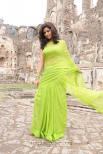 Swati Reddy Hot Pics in Green Saree