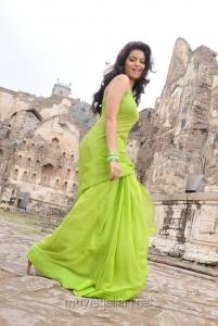 Telugu Actress Colours Swathi in Green Saree Photos