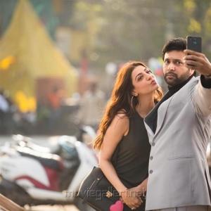 Kajal, Jayam Ravi in Comali Movie Stills HD