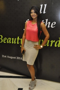 Actress Iyshwarya Rajesh @ Cosmoglitz Beauty Awards Photos