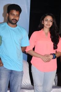 Dinesh, Malavika Nair @ Cuckoo Movie Success Meet Photos