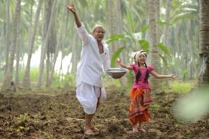 Rajendra Prasad, Sara in Dagudumootha Dandakor Telugu Movie Stills