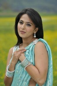 Damarukam Anushka Shetty Hot Saree Latest Photos