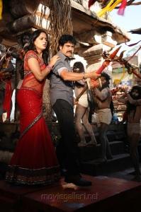 Anushka, Nagarjuna in Damarukam Movie Pics