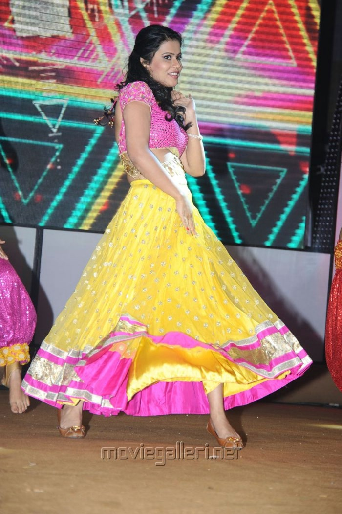 Sharmila Mandre Dance @ Santosham 11th Anniversary Awards Stills