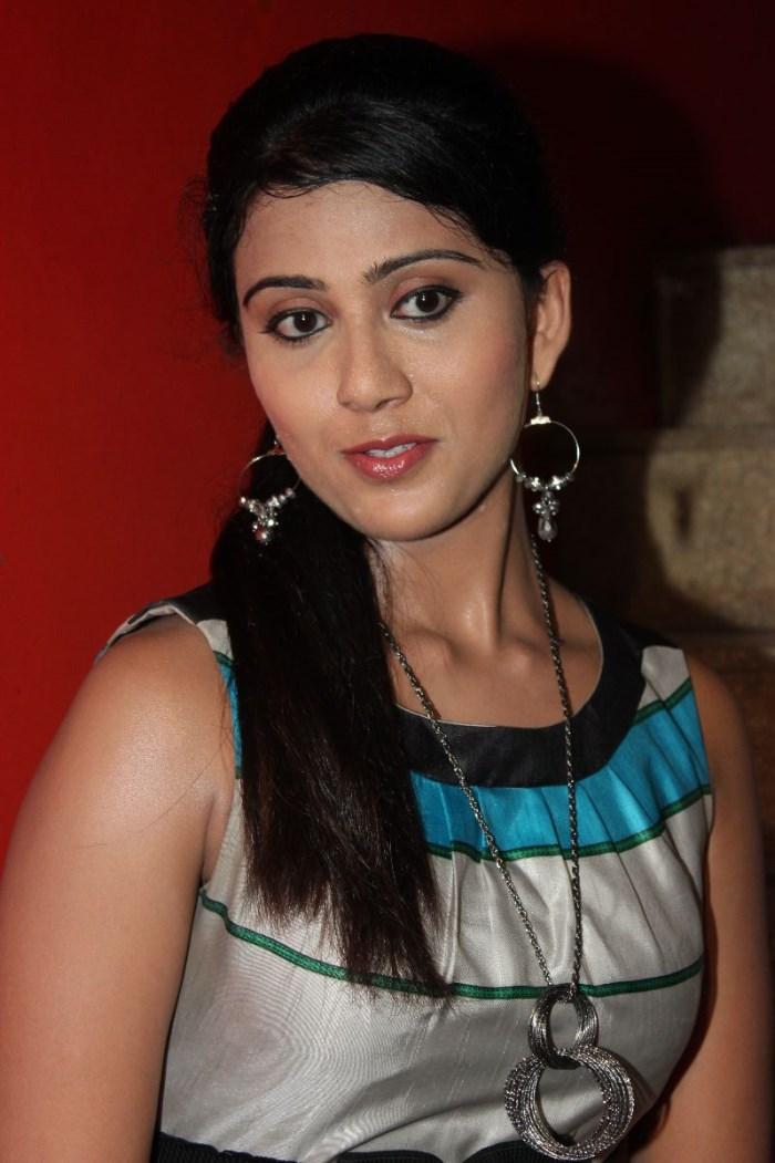 Picture 351562 | Tamil Actress Darshana in Ingu Kadhal