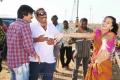 Ravi Teja, Siva, Tapsee at Daruvu Movie Working Stills