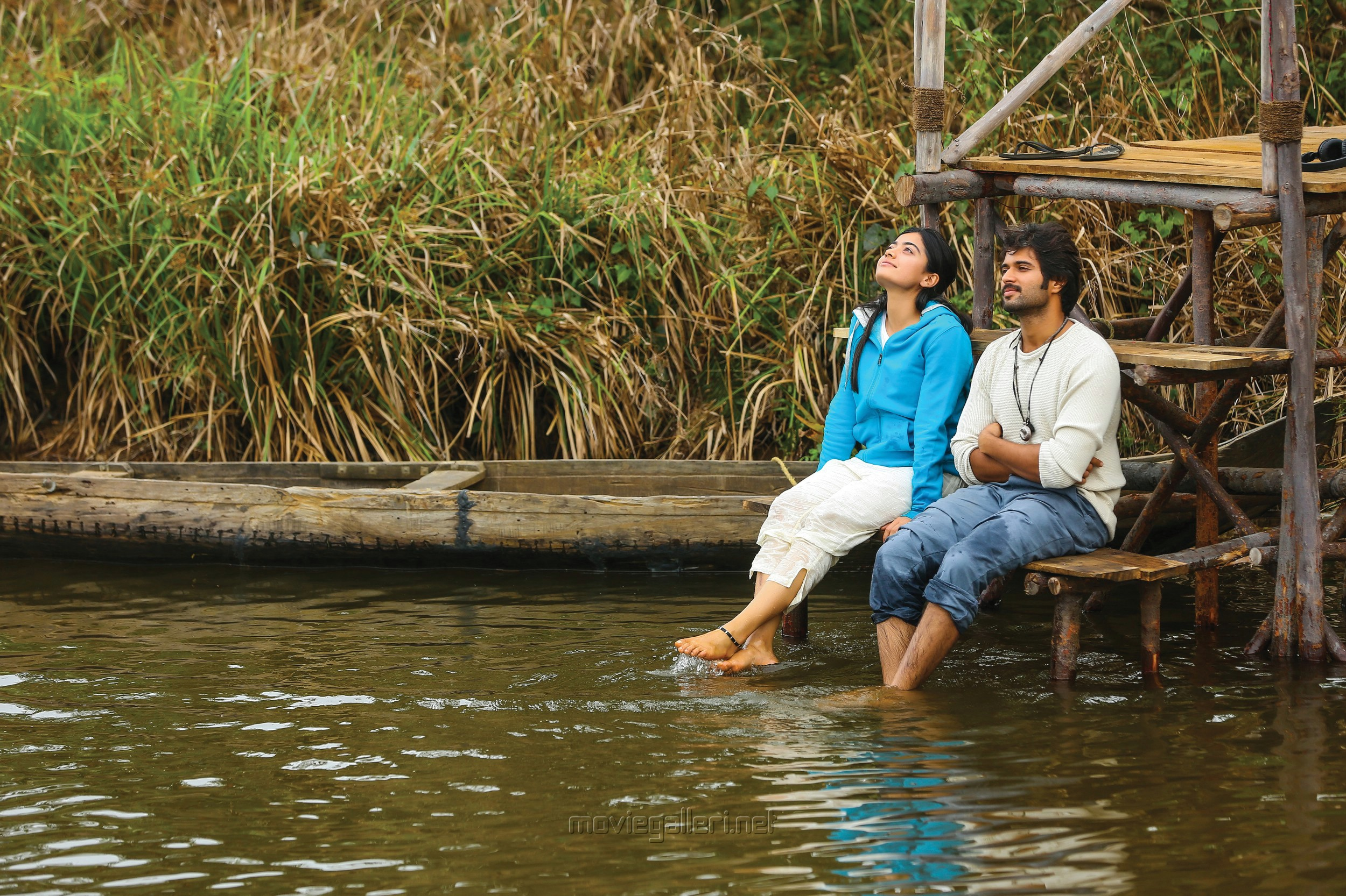 Rashmika Mandanna, Vijay Devarakonda in Dear Comrade Movie Stills