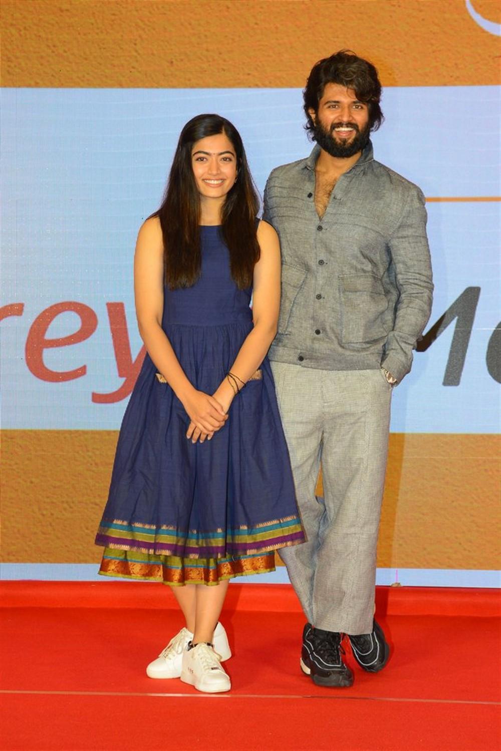 Rashmika Mandanna, Vijay Deverakonda @ Dear Comrade Movie Trailer Launch Photos