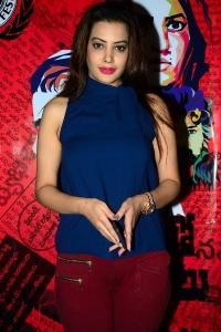 Actress Deeksha Panth Pics @ Dongalu Paddaru Team Celebrations