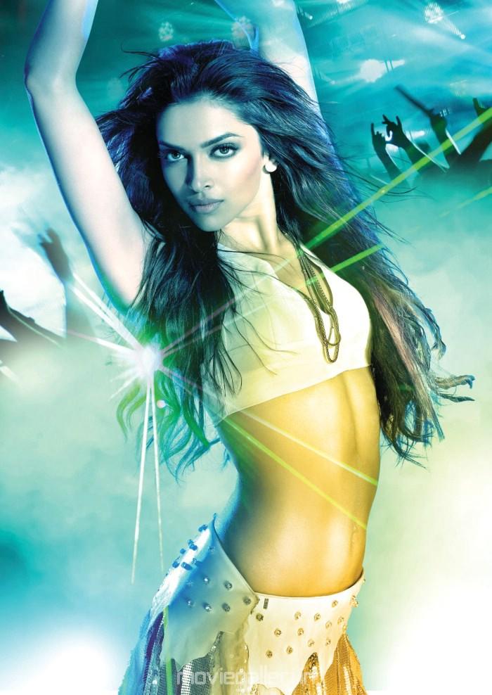 Deepika Padukone Hot Item Song @ Dum Maro Dum Stills | New ...