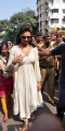 Deepika Padukone visits Siddhivinayak Temple Photos