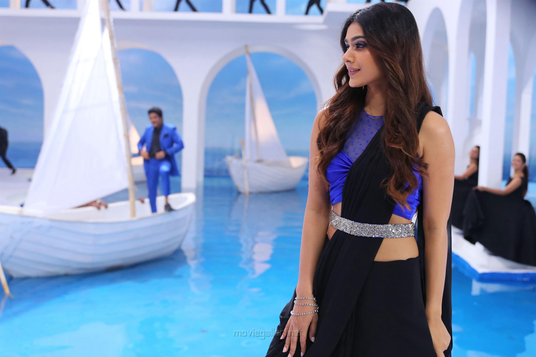 Devadas Movie Actress Aakanksha Singh HD Stills