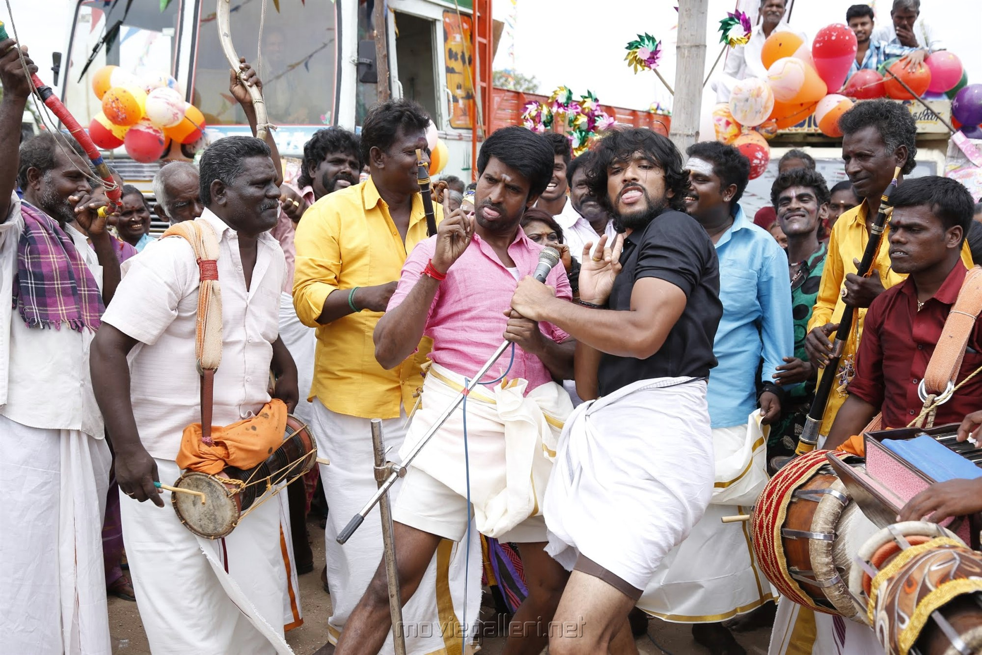 Soori, Gautham Karthik in Devarattam Movie Images HD