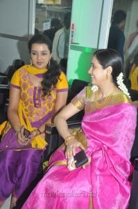 Divya Nagesh, Devayani launches Green Trends Salon Ekkattuthangal Stills