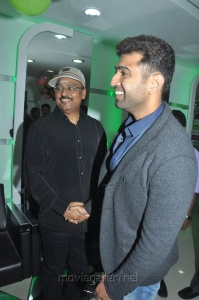 Bhagyaraj, Arun Vijay launches Green Trends 124th Salon Stills