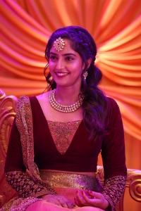 Actress Reba Monica John in Dhanusu Raasi Neyargale Movie Stills HD