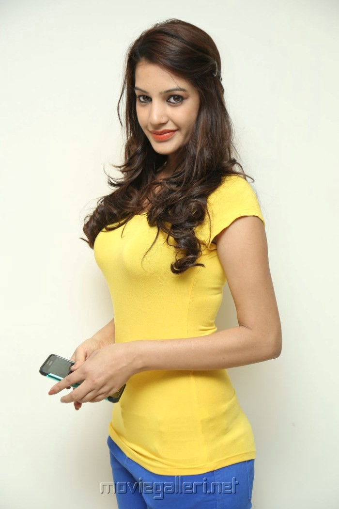 Best Pale Yellow Paints For Kitchen: Actress Deeksha Panth In Light Yellow Top