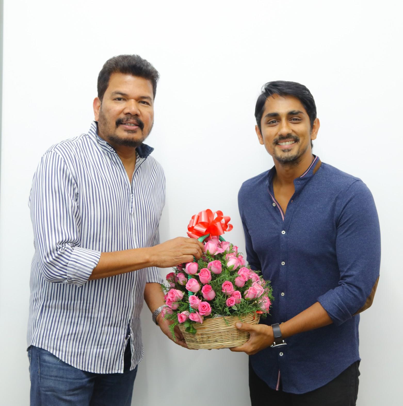 Director Shankar Unveils Sivappu Manjal Pachai First Look Photos