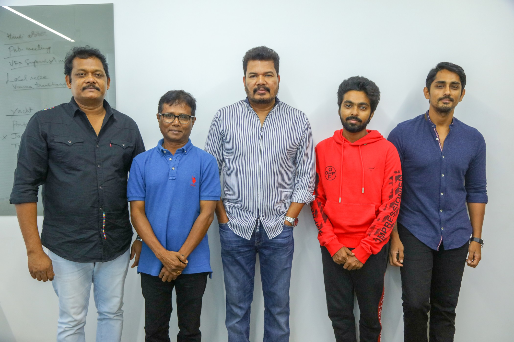 Director Shankar Unveils Sivappu Manjal Pachai First Look Photos