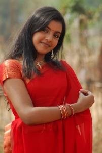 Divya Nagesh Hot Saree Photos Stills