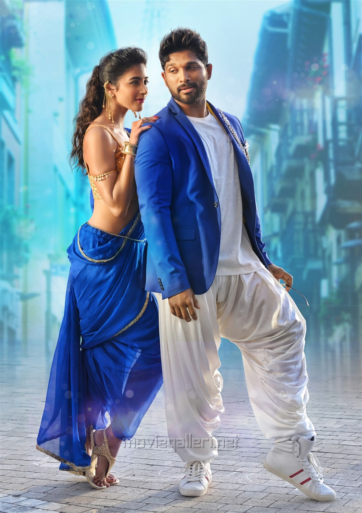 Pooja Hegde, Allu Arjun in DJ Duvvada Jagannadham Movie HD Photos