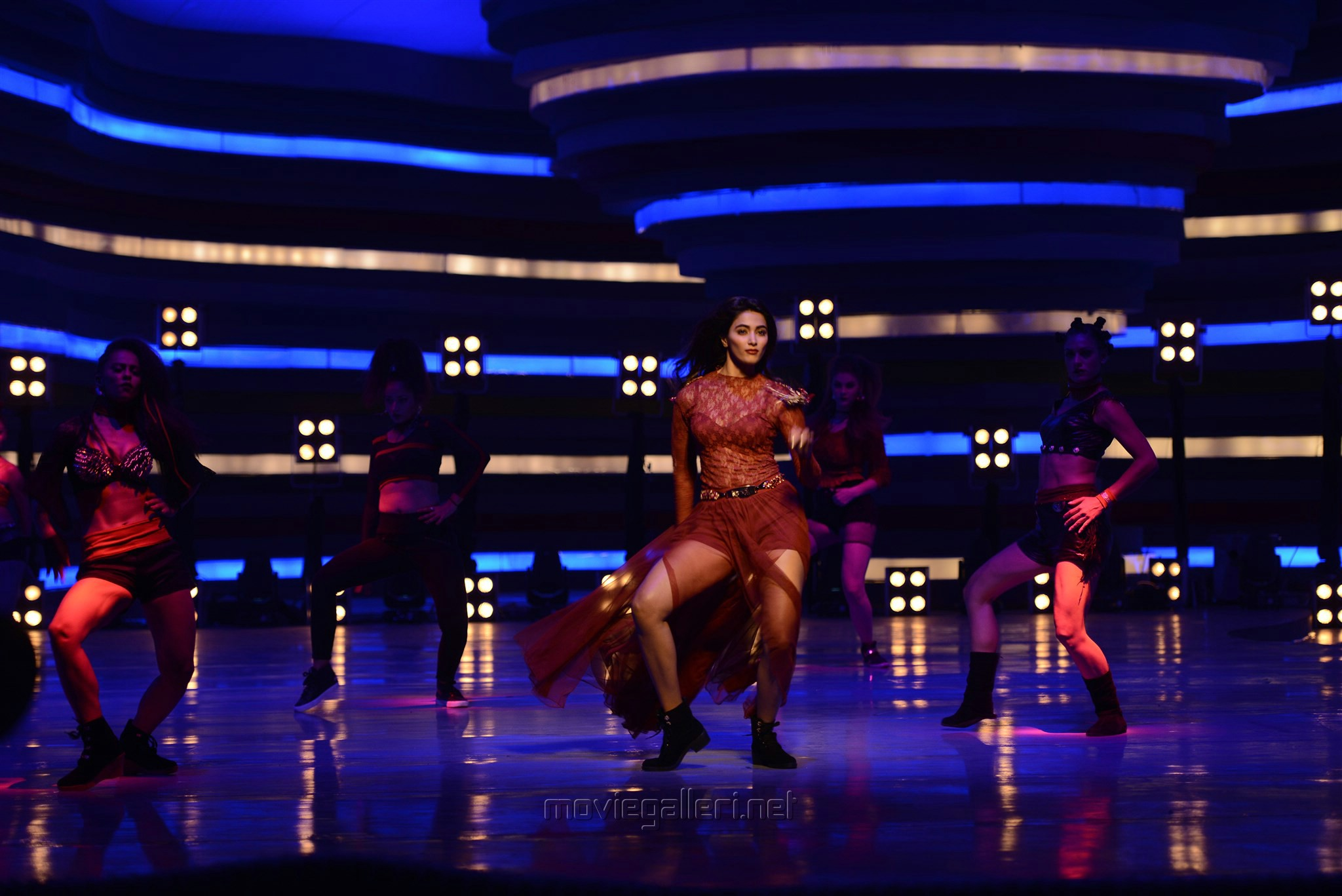 Actress Pooja Hegde in Duvvada Jagannadham HD Stills