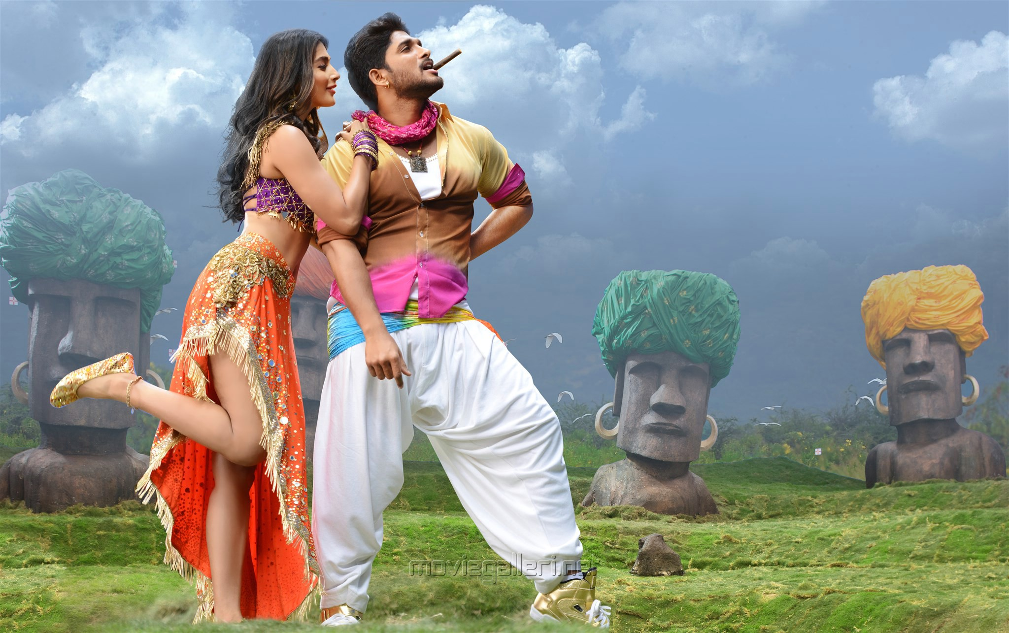 Pooja Hegde, Allu Arjun in Duvvada Jagannadham HD Stills