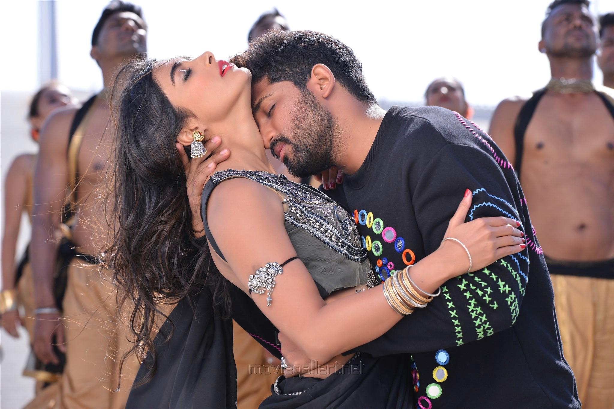 Pooja Hegde, Allu Arjun in DJ Movie HD Stills