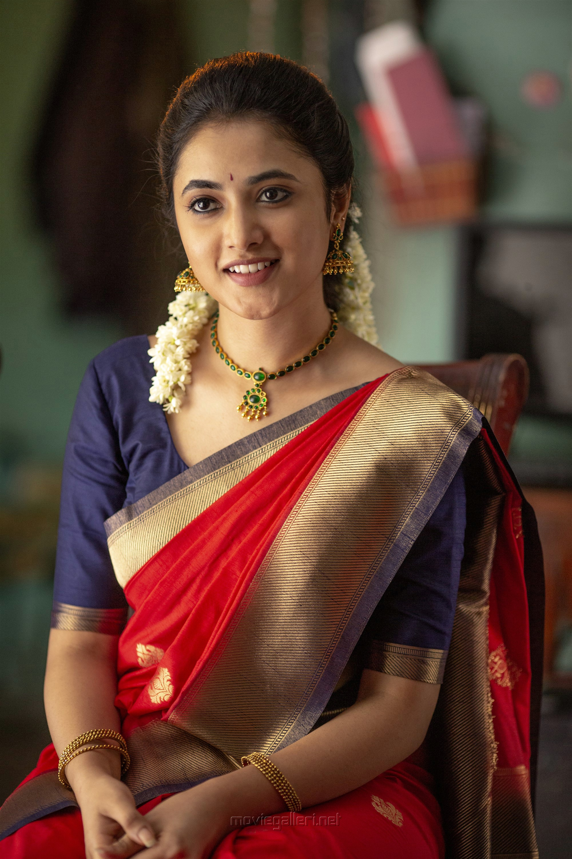 Sivakarthikeyan Doctor Movie Hd Images Priyanka Mohan New Movie Posters