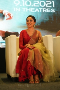 Actress Priyanka Arul Mohan @ Doctor Pre Release Event Stills