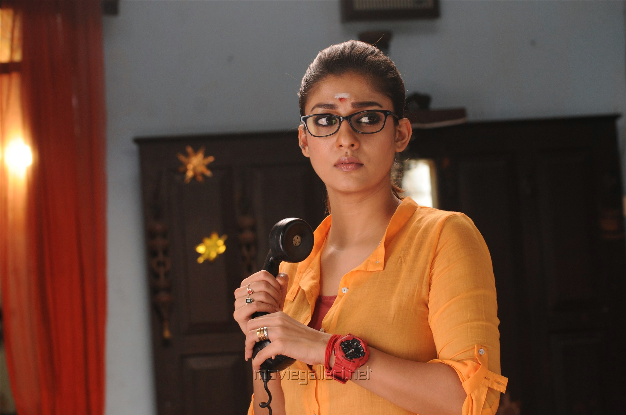 Download Nayantara HD wallpaper in Laptop