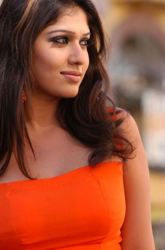 Amanda bynes hot nayanthara hot wallpapers for Latest hottest pics