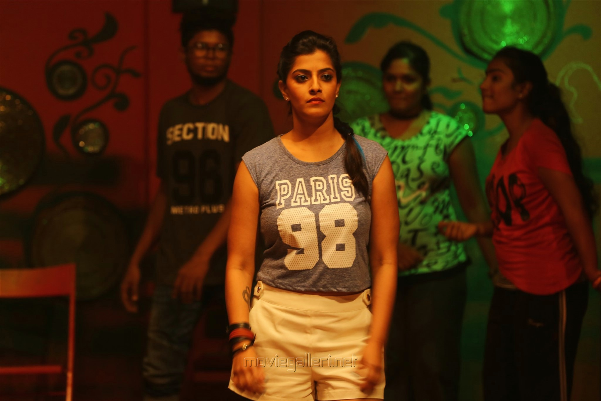 Actress Varalaxmi Sarathkumar in Echarikkai Idhu Manithargal Nadamadum Idam Movie Stills HD