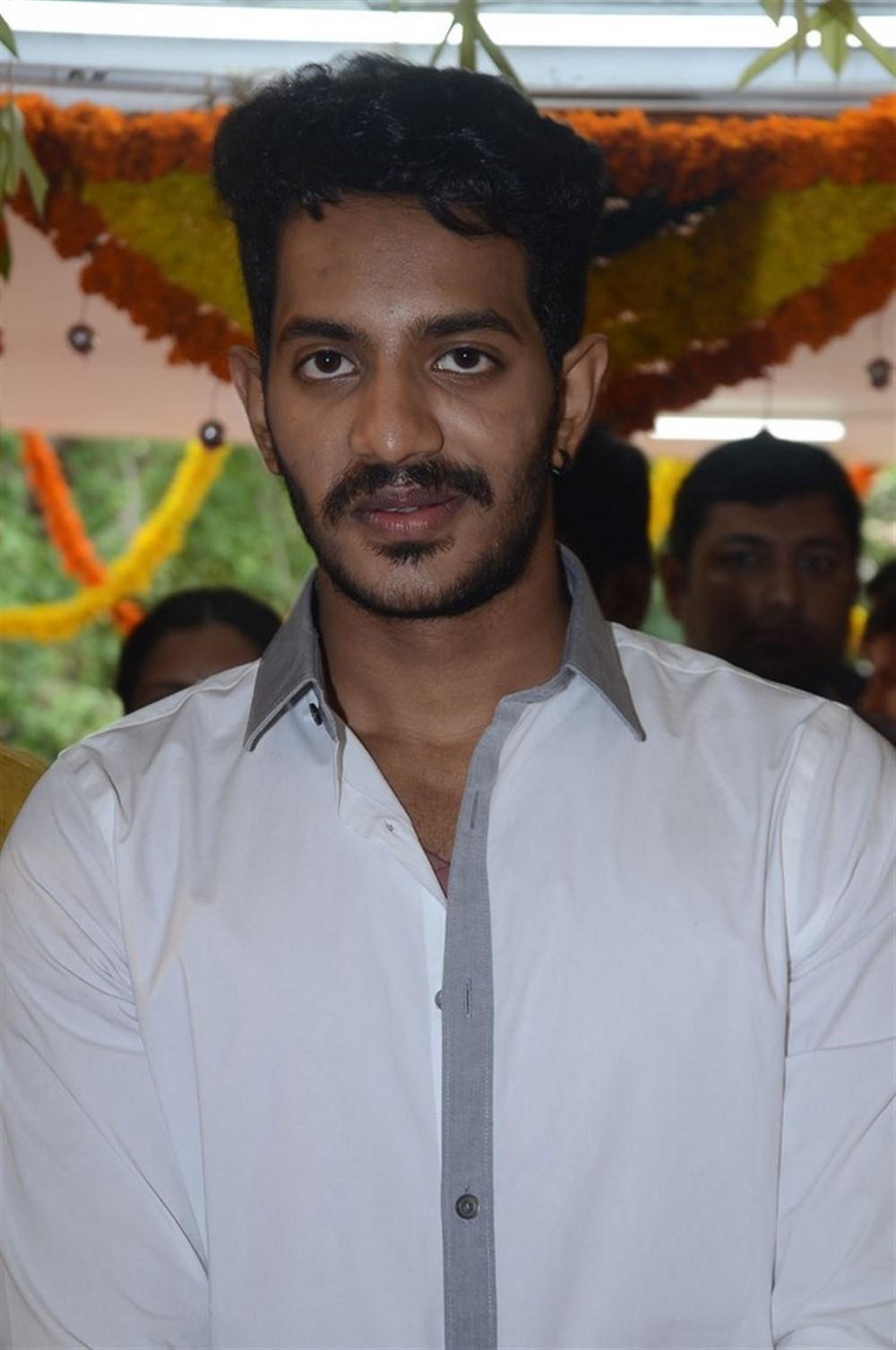 Vijay Raja @ Edaina Jaragochu Movie Launch Stills