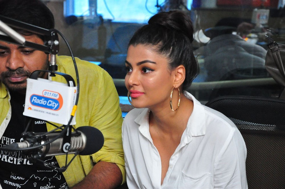 Anisha Ambrose @ Ee Nagaraniki Emaindi Second Song Launch at Radio City Photos