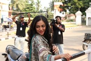 Actress Nithya Menon in Ee Velalo Movie Photos