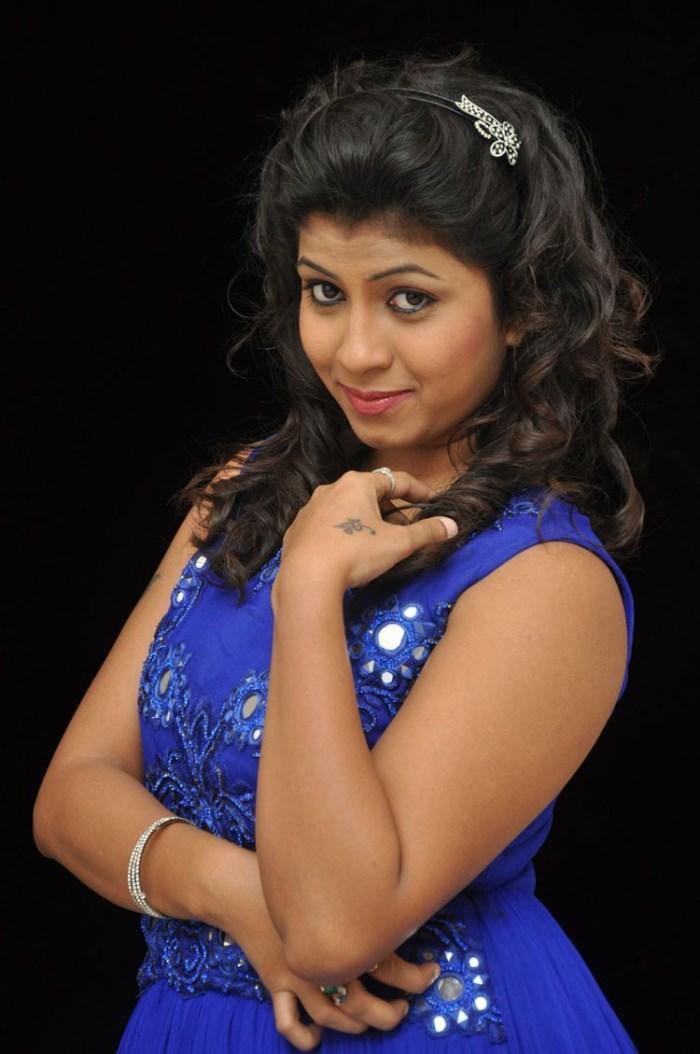 Geethanjali Thasya @ Eluka Majaka Movie Audio Launch Photos