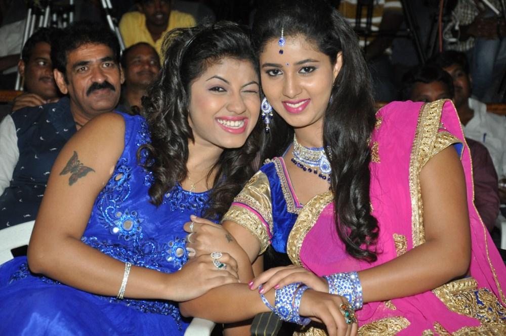 Geethanjali Thasya, Pavani Reddy @ Eluka Majaka Movie Audio Launch Photos