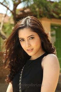Actress Pinky Savika in Emo Gurram Egara Vachu Photos
