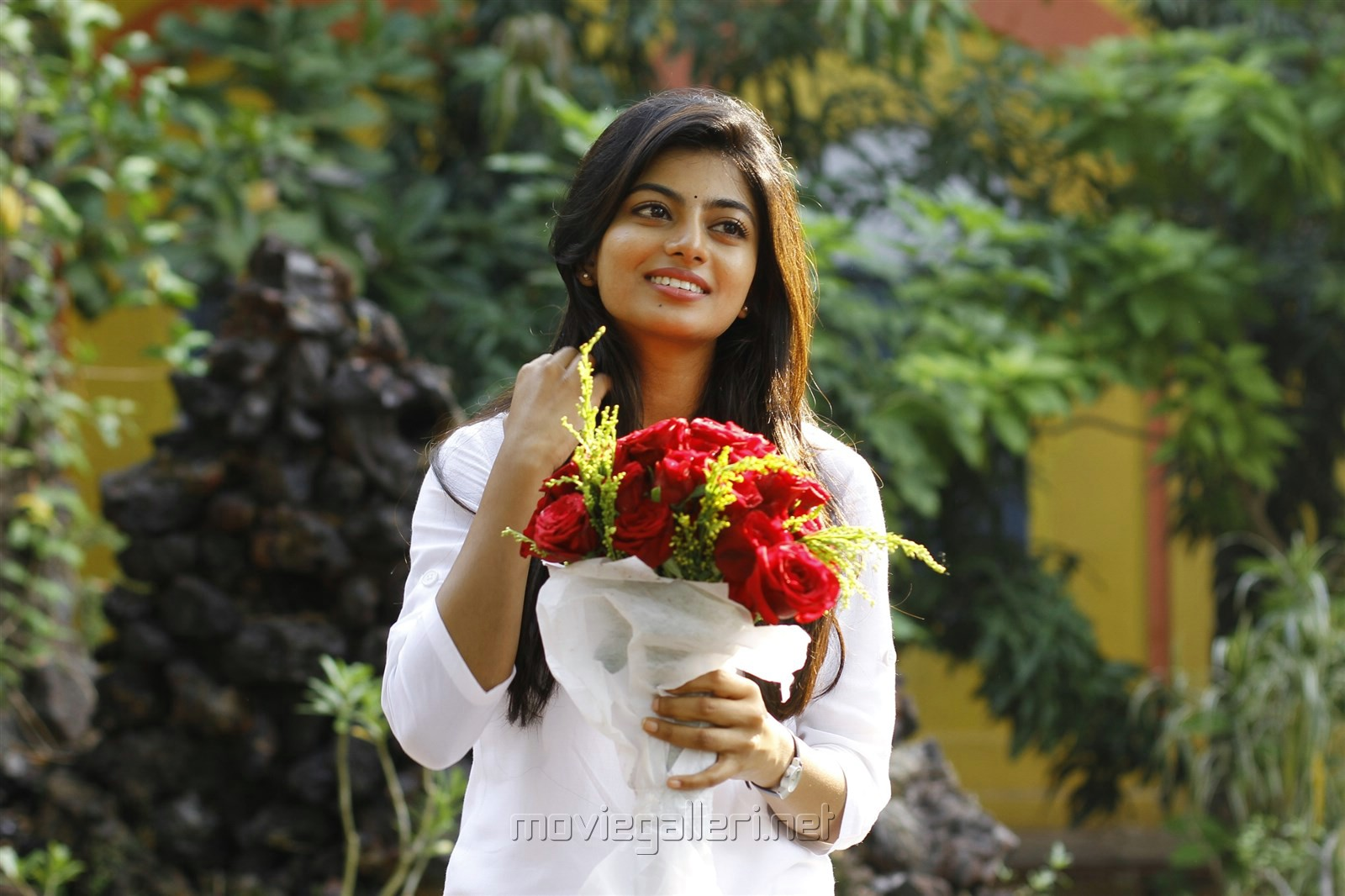 Actress Anandhi in En Aaloda Seruppa Kaanom Tamil Movie Stills