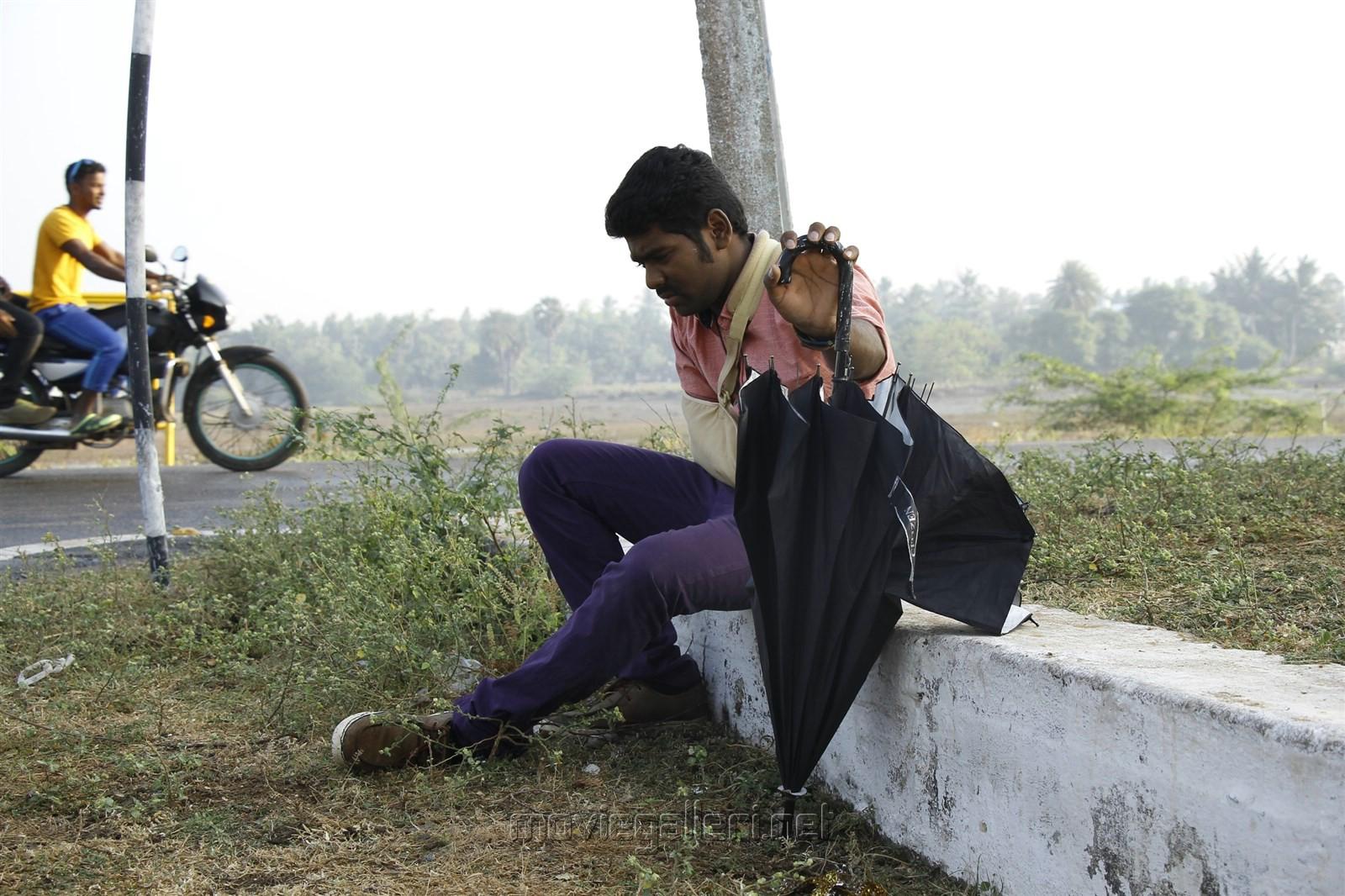 Actor Tamizh in En Aaloda Seruppa Kaanom Movie Stills