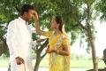 Gokulnath, Nisha in En Kadhali Scene Podura Movie Stills HD