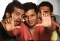 Vinay, Jeeva, Santhanam in Endrendrum Punnagai Movie Photos