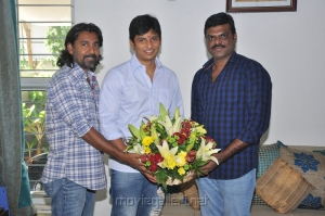 Endrendrum Punnagai Director Ahmed & Producer Thamizh Kumaran Congratulated Jiiva for his Birthday Stills